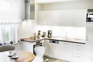 Wohnung 1 im 1. Obergeschoß - Einblick in die exclusive Küche und Essbereich der Boarding Select am Kattenstrother Weg in Gütersloh.